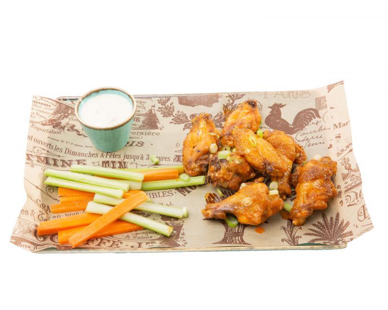 Poza Buffalo wings cu sos gorgonzola