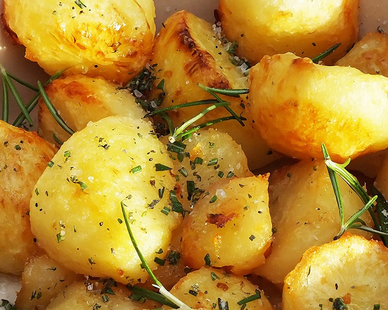 Poza Cartofi aurii la cuptor