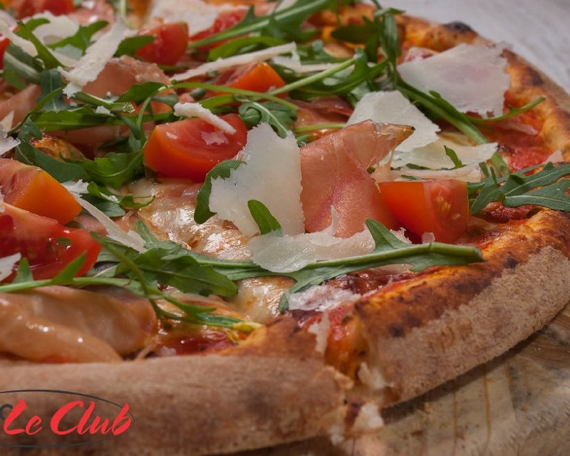 Poza Pizza Crudo, rucola & pomodorini