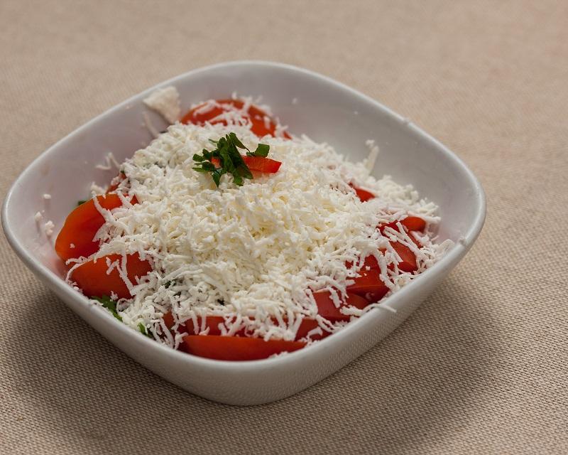 Poza Salata de rosii cu branza