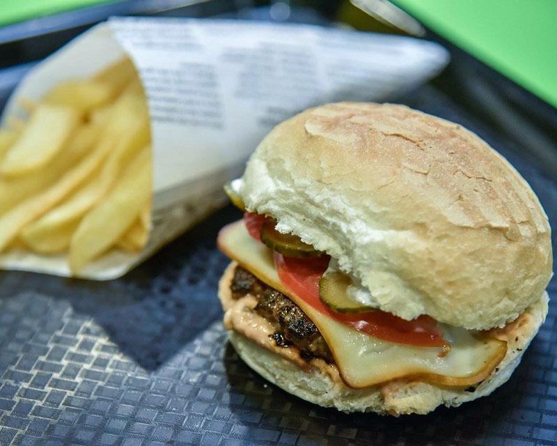 Poza Cheeseburger