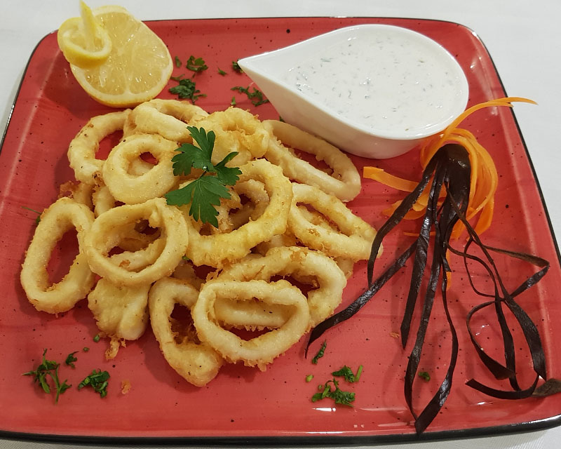 Poza Inele de calamar pane cu sos alb