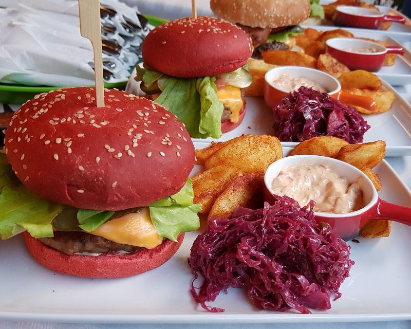 Poza Hamburger de rata cu varza rosie