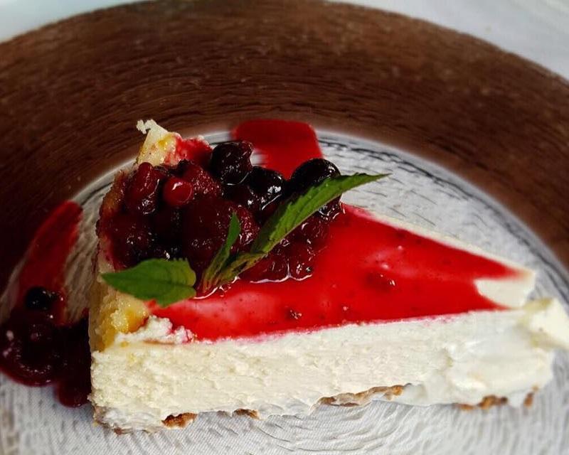 Poza Cheesecake cu sos de capsuni