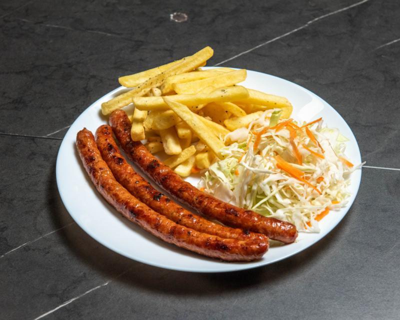 Poza Carnaciori semiafumati cu cartofi prajiti si salata