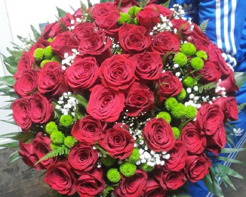 Poza Buchet 51 de trandafiri si 8 crizanteme