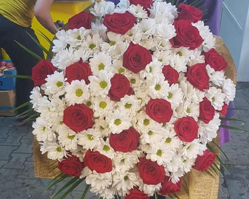 Poza Buchet 21 de trandafiri si 24 crizanteme