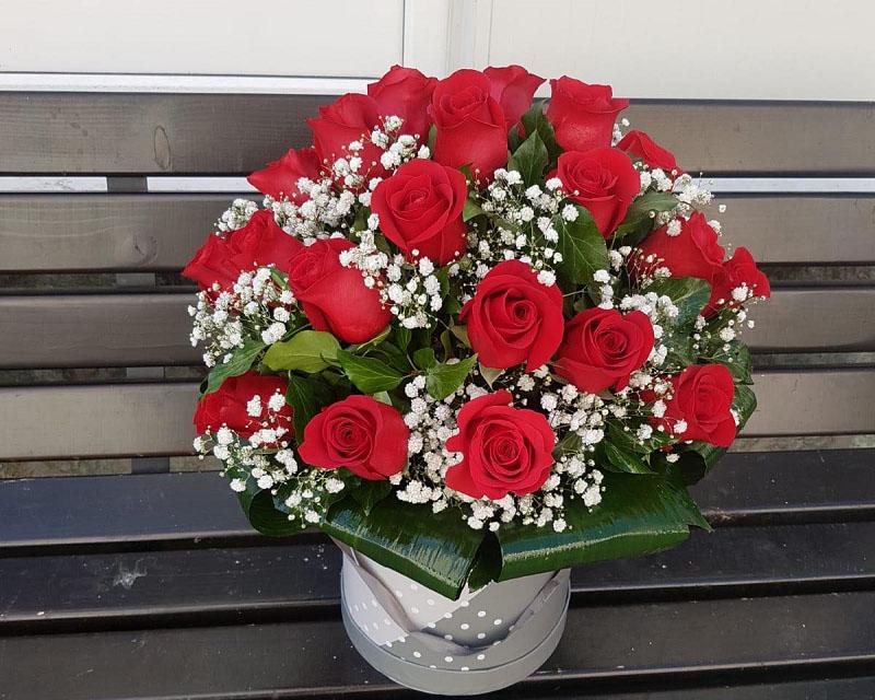 Poza Cutie cu 25 de trandafiri