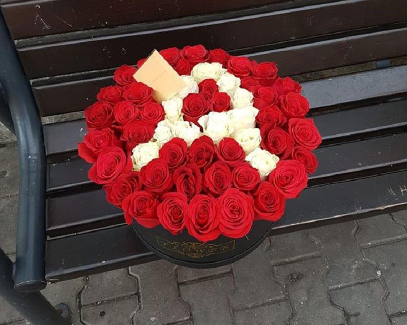 Poza Cutie 51 de trandafiri